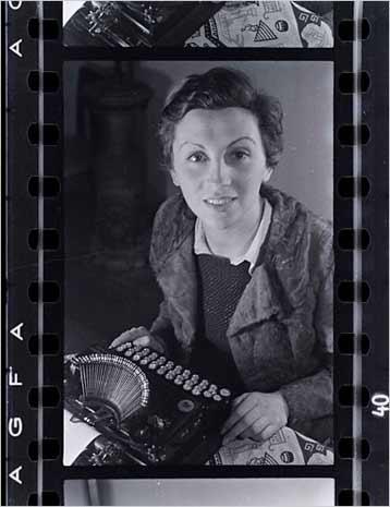 Gerda Taro, Paris. 1935. FRED STEIN