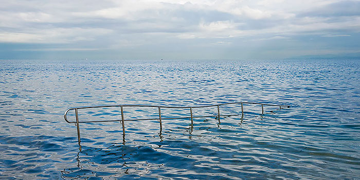 Las contradictorias realidades del mediterraneo fotografiadas por Nick Hannes
