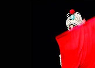 lo-invisible-opera-de-pekin-foto-de-wang-yao-la-mujer-moderna-en-china-asociacion-nacional-de-fotografos-de-china-cpa