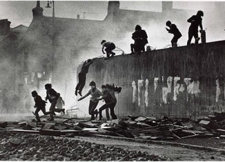 don-mccullin-catholic-youth-escaping-a-cs-gas-assault-p