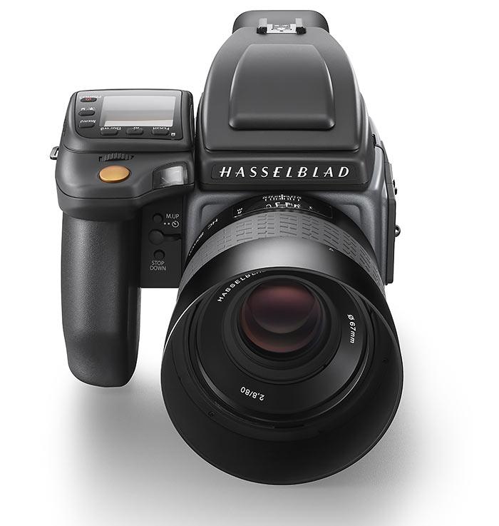 Hasselblad-H6D-100c_front-shot_WH_
