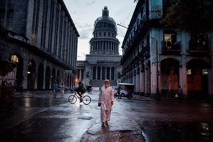 Premio Fnac Talento Joven Fotografia cuban_muslims_joan_alvado