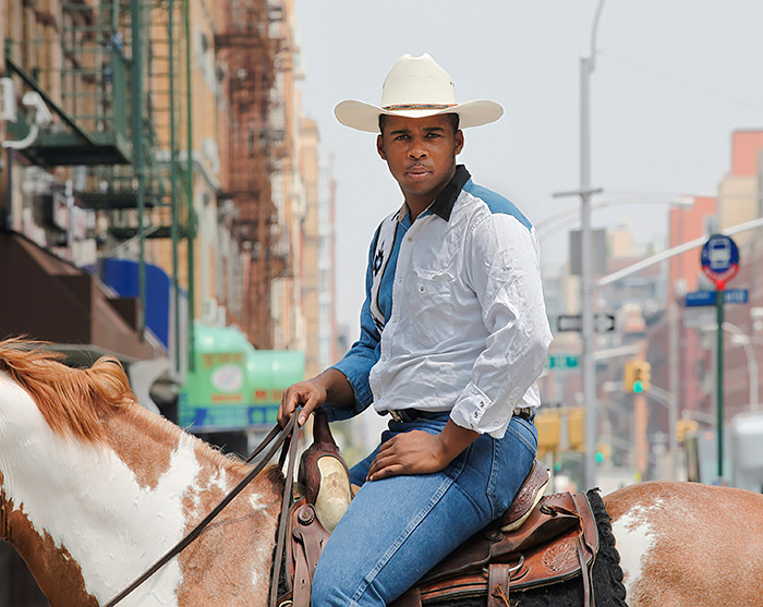 Andrea-Robbins-y-Max-Becher-Black-Cowboys-Kareem,-Harlem,-Nueva-York