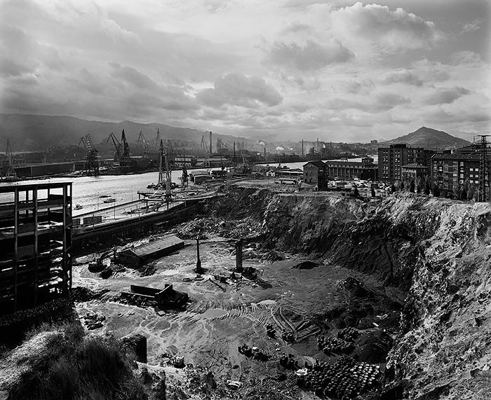 PHE17-Gabriele-Basilico.-Bilbao,-1993