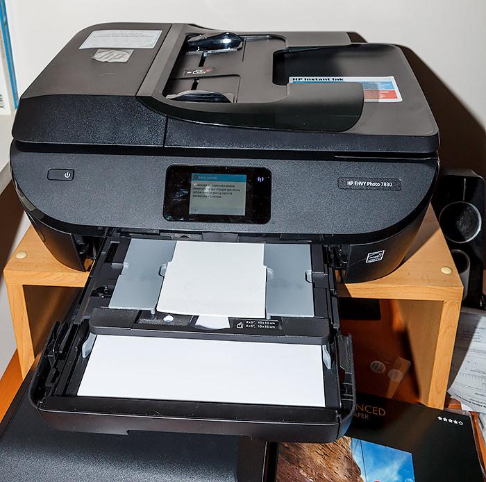 HP Envy Photo 7830, una buena impresora multifunción. Bandejas de alimentación